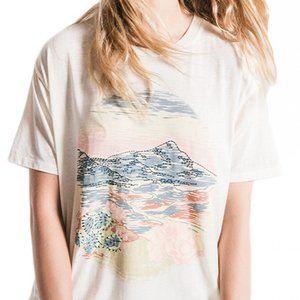White Crow Desert Sky Tee NWT! Beautiful colors